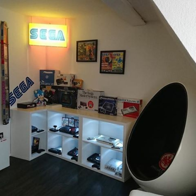 Share your SEGA Collection with us for a chance to be featured! This week's collection is from Oliver! An entire room dedicated to #SEGA consoles and awesome memorabilia  #videogames #dreamcast #megadrive #mastersystem #segacollection