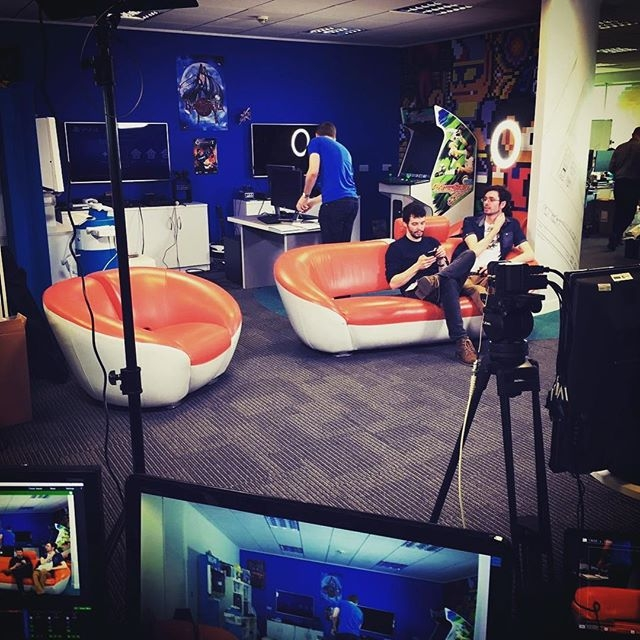 A behind the scenes look at the #mwnl stream - starting at 5pm GMT http://twitch.tv/sega #pcgaming #videogames #sega credit: JoRoSaR)